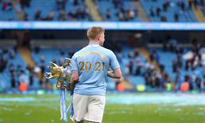 احتفالات لاعبي مانشستر سيتي بالتتويج بلقب الدوري