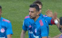 كوكا يصنع هدف التعادل لفريقه أمام أريس