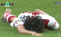 """إصابة النني بعد """"كوع"""" من لاعب وست بروميتش"""