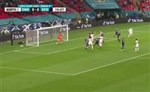 القائم يحرم جون ستونز من هدف أمام اسكتلندا