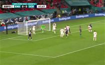 رييس جيمس ينقذ انجلترا من هدف مؤكد أمام اسكتلندا