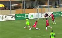 مهارة مرموش أمام مدافع موناكو