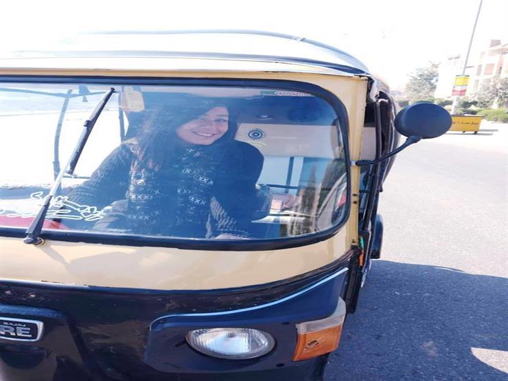 جزائرية في جولة سياحية بالقاهرة أخيرا سوقت توك توك (1)