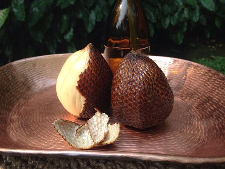 فاكهة Salak أو الثعبان