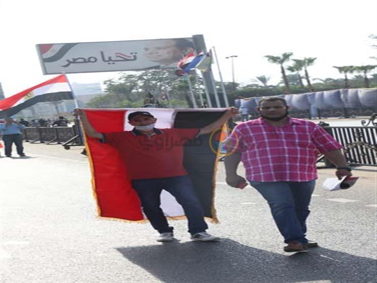 إقبال كثيف من المواطنين على النصب التذكاري بمدينة نصر