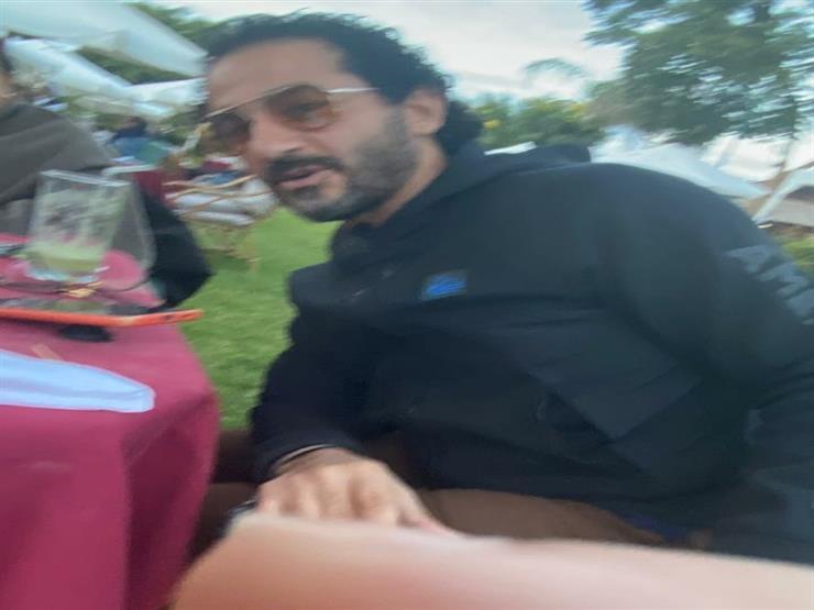 أحمد حلمي موقف طريف مع منى زكي 8