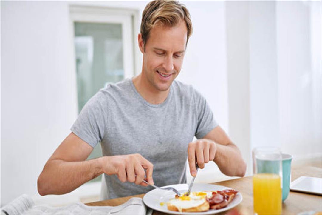 تناول إفطار صحي