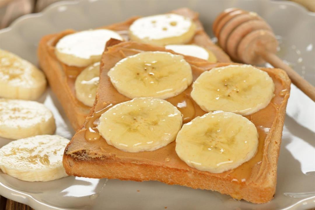 الموز بزبدة الفول السوداني