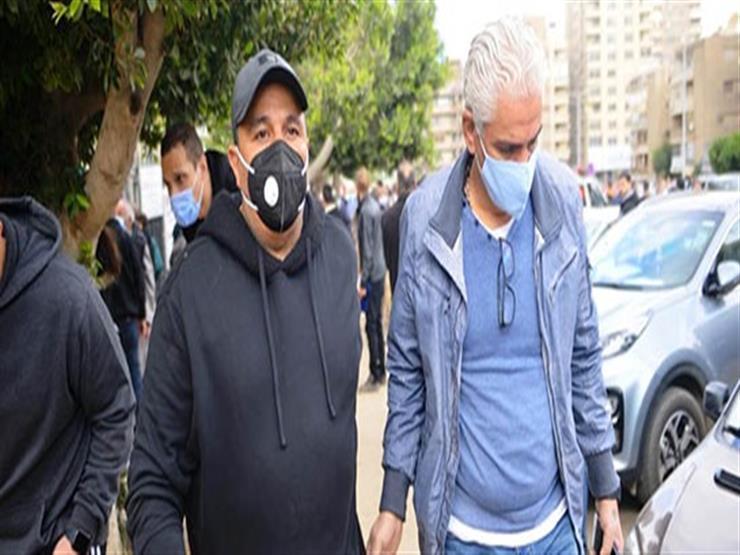 تشييع جثمان زوج شقيقة محمد فؤاد 6