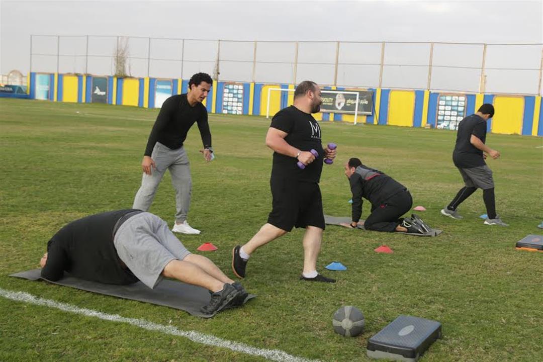 التمارين الجماعية لنزلاء المعسكر