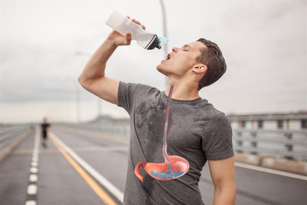 شرب الماء واقفًا