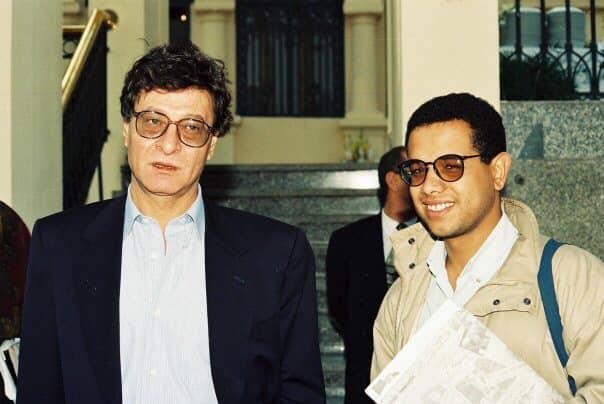 مع محمود درويش- تصوير محمد السهيتي