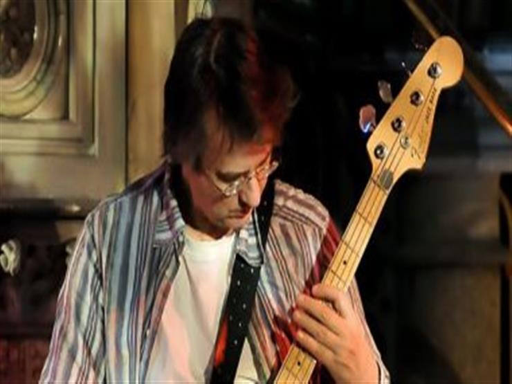 وفاة عازف الجيتار ماثيو سيليجمان عن 64 عامًا بسبب فيروس كورونا