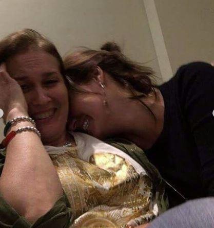 هنا شيحة وصديقتها  (2)