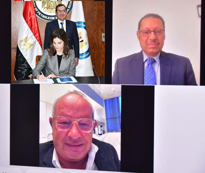 وزير البترول والثروة المعدنية يشهد توقيع عقود جديدة للبحث عن الذهب (2)
