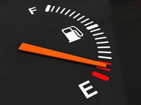 أسباب تؤدي لارتفاع استهلاك الوقود في السيارة تجنبها