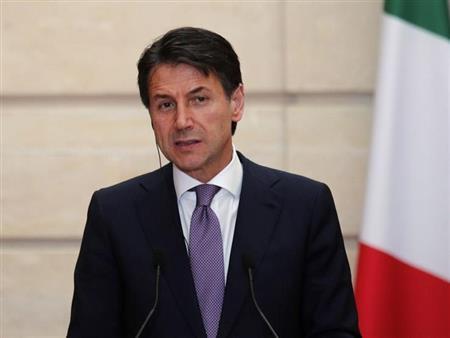 رئيس الوزراء الإيطالي كونتي يحتفظ بالسلطة بعد فوزه بالثقة في تصويت بمجلس الشيوخ