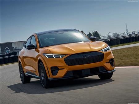 فورد تطلق نسخة GT من أيقونتها  Mustang Mach-E الكهربائية.. صور