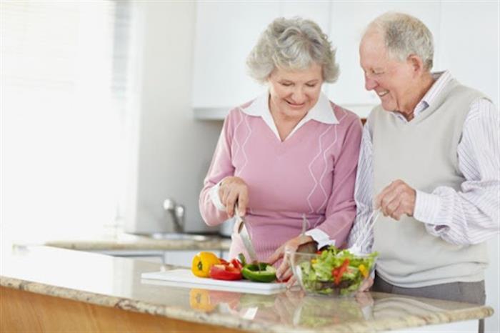 لكبار السن.. إليك الكمية المناسبة من الخضروات والفواكه لإطالة العمر