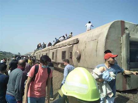 20 صورة من موقع حادث قطار طوخ بالقليوبية