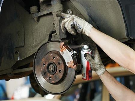 نصائح مهمة لفحص وإصلاح منظومة الفرامل بالسيارة.. تعرف عليها
