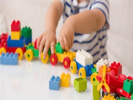 كيف يمكن للأطفال اللعب بأمان هذا الصيف في ظل جائحة كورونا؟