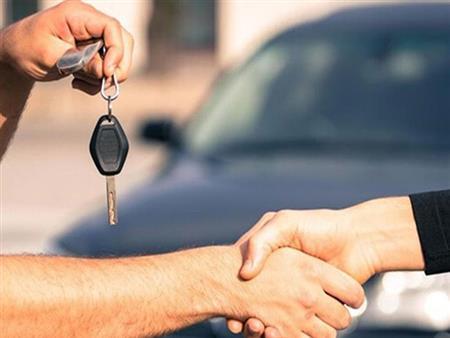 ما المعيار الصحيح لشراء سيارة مستعملة.. الكيلومترات أم سنة الصنع؟