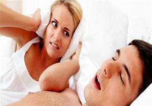 ما سبب ارتفاع صوت النفس أثناء النوم؟
