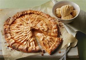 «فطيرة التفاح».. حلوى صحية خفيفة على مائدة رمضان