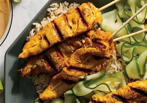أرز وأعواد الدجاج بالكاري.. وجبة قليلة الكوليسترول لإفطارك