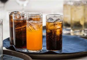 هل المشروبات الغازية الفاتحة أقل ضررًا من الداكنة؟