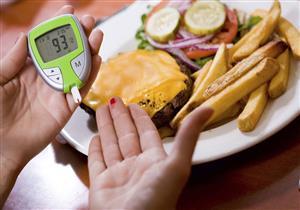 لمرضى السكري.. نصائح تجنبكم السمنة الموضعية في رمضان