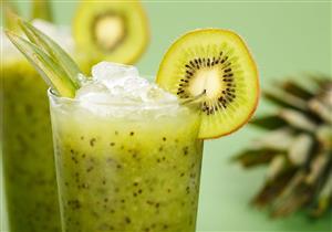عصير الكيوي بالليمون لذيذ ويقي من أمراض الجهاز التنفسي والهضمي