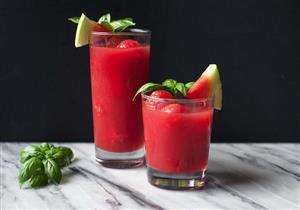 سموثي الفراولة والبطيخ صحي ولذيذ لإفطار اليوم