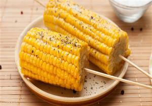 باحثون يكشفون سبب صعوبة هضم الذرة