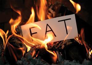 أغربها الشوكولاتة.. 6 أطعمة ومشروبات مفيدة لحرق الدهون (صور)