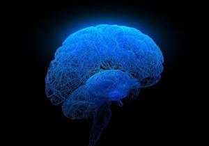 منها الاستماع لموسيقى صاخبة.. 5 عادات خاطئة تهدد بتلف المخ (صور)