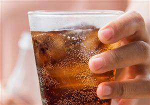 طبيب يحذر من تناول المشروبات الخالية من السكر.. تهدد بهذا المرض