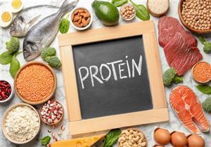 ما علاقة تناول البروتين قبل النوم بمعدل الحرق؟