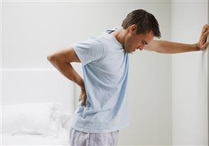7 علامات قد تكشف الإصابة بحصوات الكلى.. هل تعاني من إحداها؟