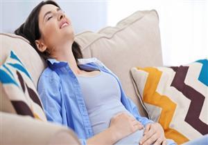 أسباب ألم أسفل البطن متعددة.. كيف يمكن علاجه؟