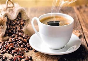 خبيرة تغذية تزعم: تناول الزبادي والقهوة يساعدك على العيش لفترة أطول