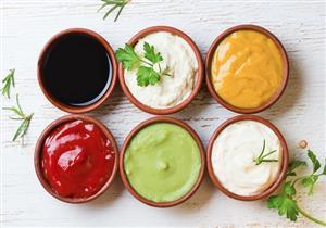 6 إضافات شائعة للأطعمة تزيد الوزن.. أبرزها المايونيز (صور)