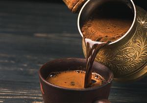 طبيبة: لا أضرار صحية لتناول القهوة حال اتباع تلك الضوابط