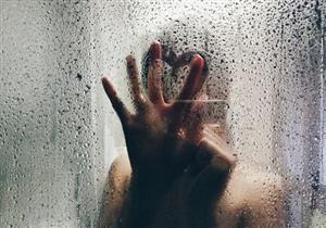 احذر الاستحمام مساءً.. يهدد جلدك ببعض الأضرار