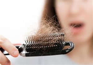 هل يمكن أن يتسبب كورونا في تساقط الشعر؟.. طبيب يوضح