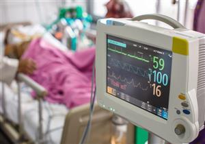 طبيب عناية مركزة يحاكي اللحظات الأخيرة لمريض كورونا