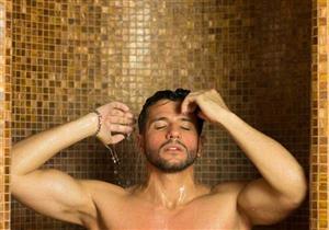 لهذا السبب.. طبيب يحذر من الاستحمام يوميًا