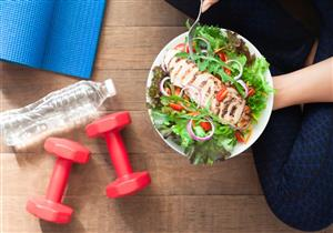 قبل ممارسة التمارين.. إليك قائمة بأفضل وأسوأ الأطعمة
