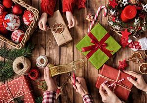 تحذير طبي من هدايا رأس السنة: كورونا قد يعيش عليها أيام